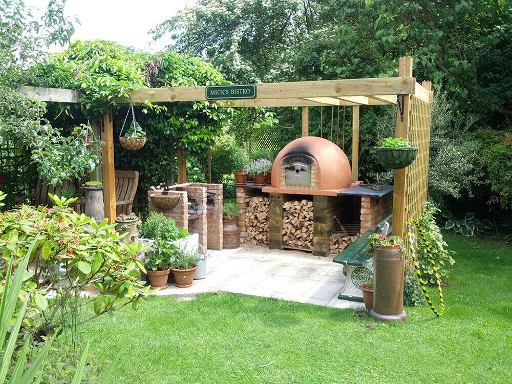 Outdoor Pizza Oven | Amigo Ovens on Outdoor Patio With Pizza Oven id=72444