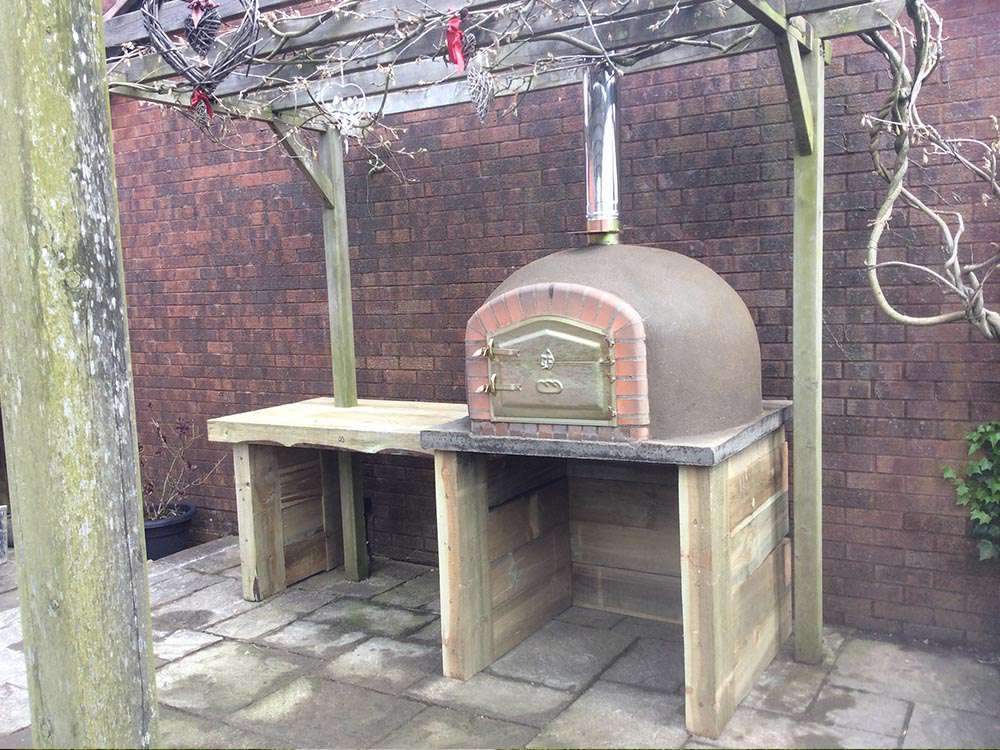 Bespoke Wood Fired Pizza Ovens by Amigo Ovens (90)